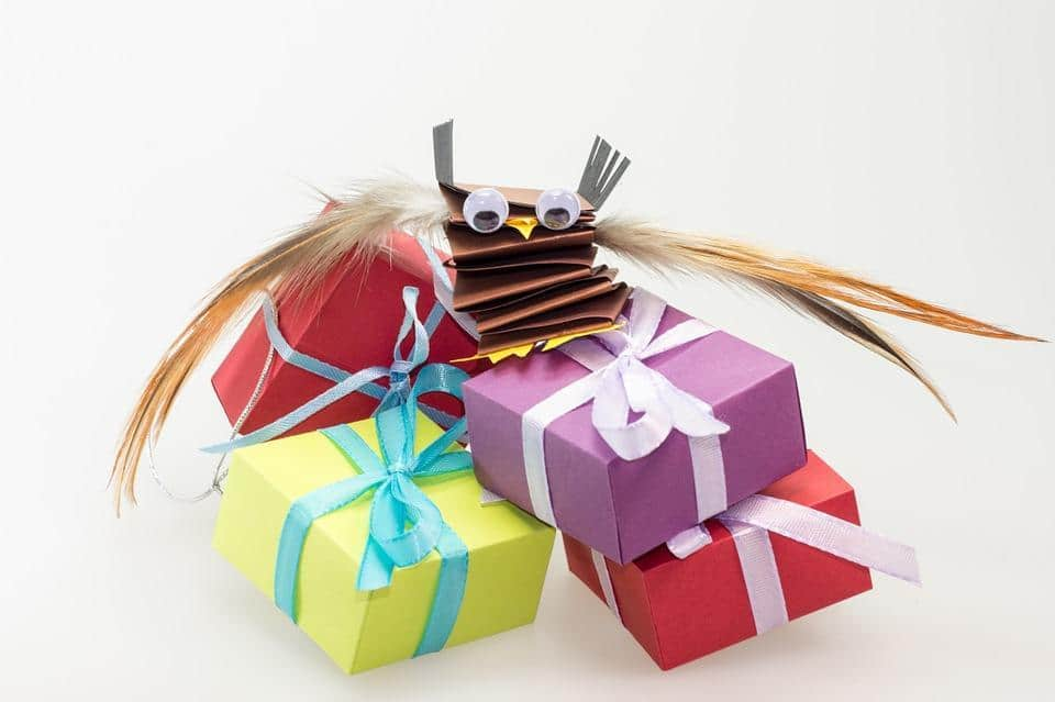 Children's Gifts On The Cheap: Moneysaving Tips For Buying Presents