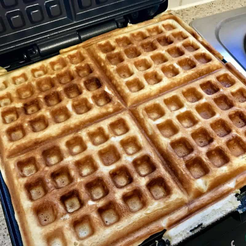 Classic Waffles With The Vonshef Belgian Waffle Maker ...